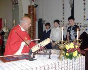 Mons. Virginio Fogliazza durante la premiazione.