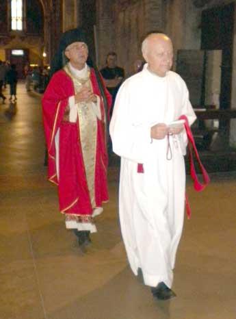 L'Arch. P. Emiliano Redaelli e il Comm. Mons. Giuseppe Cremascoli